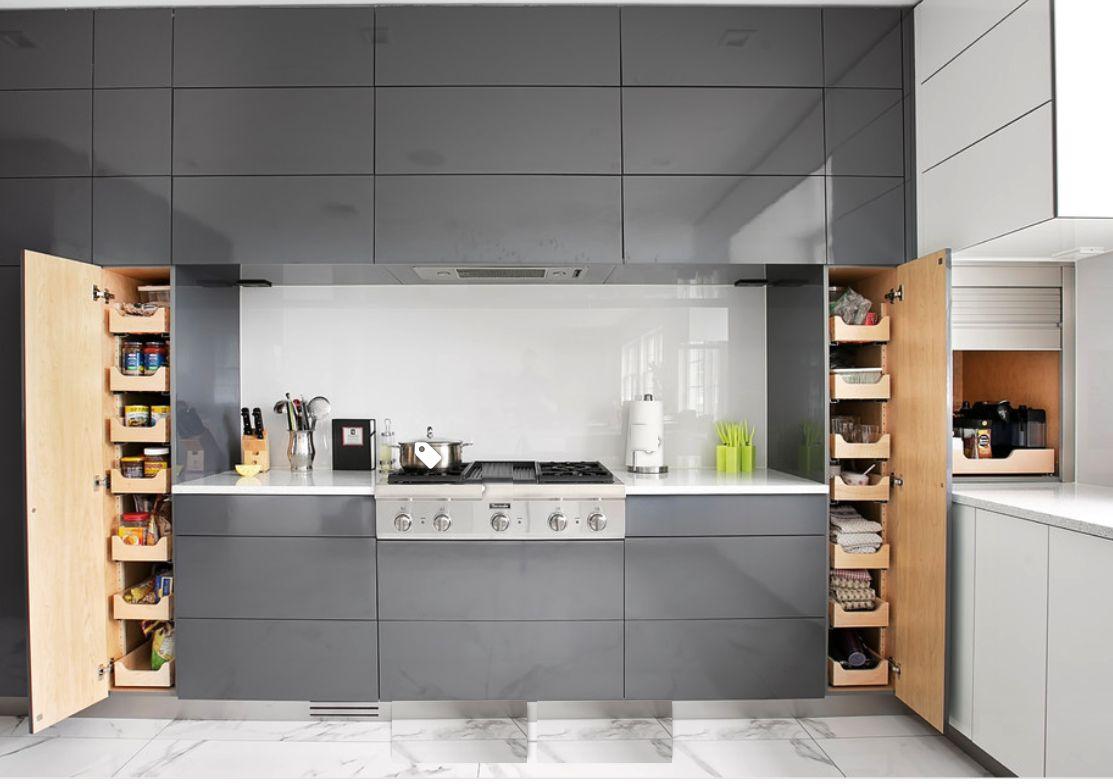 Mẫu tủ bếp thông minh hiện đại
