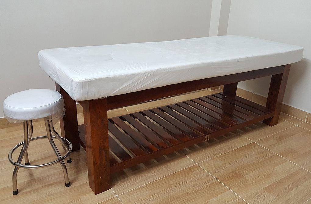Có nên mua giường spa thanh lý để kinh doanh