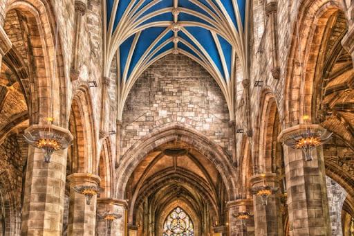 Đặc điểm của phong cách kiến trúc Gothic